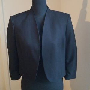 Kasper crop black jacket